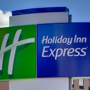 Holiday Inn Express & Suites Van Horn