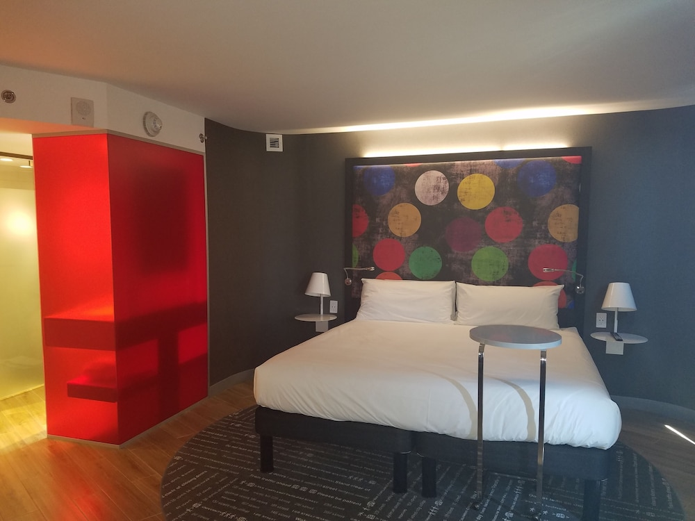 Room, ibis Styles New York LaGuardia Airport
