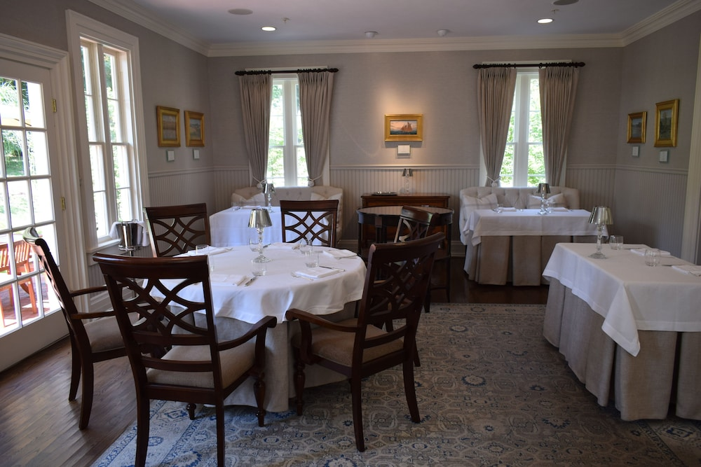 Dining, Spicer Mansion