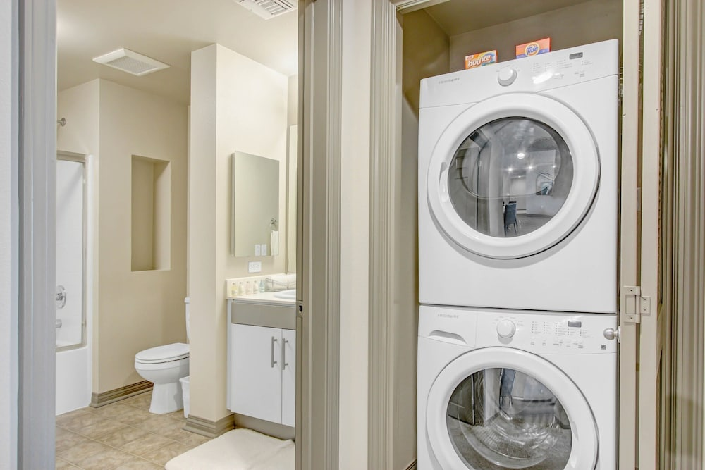 Laundry Room, Global Luxury Suites at Marina Del Rey