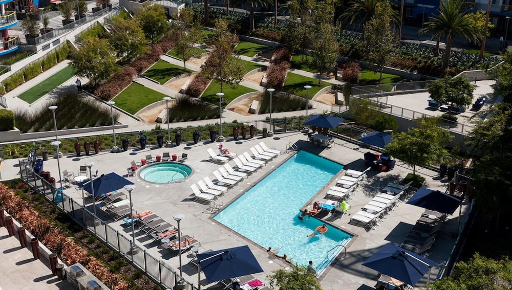 Outdoor Pool, Global Luxury Suites at Marina Del Rey
