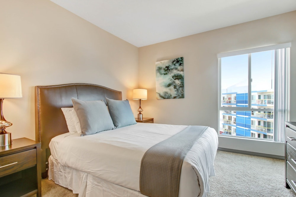 Room, Global Luxury Suites at Marina Del Rey