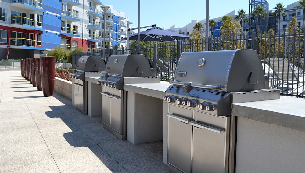 BBQ/Picnic Area, Global Luxury Suites at Marina Del Rey