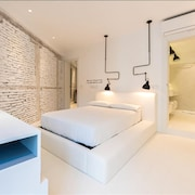Apartment in Madrid With Terrace, Air Conditioning, Lift, Balcony