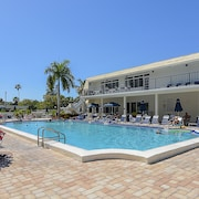 Siesta Key Number 1 Beach in the USA by RedAwning