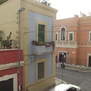 Studio Apartment in Bari With Air Conditioning, Parking, Washing Machine