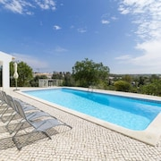 Villa 73 m From the Center of Ferragudo With Internet, Pool, Air Conditioning, Parking