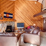 Silverthorne Condo Mountain Views by RedAwning