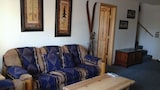 The Dancing Bear Lodge by RedAwning - Tahoe City Hotels
