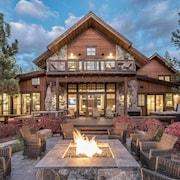 4BR Luxury Truckee Home by RedAwning