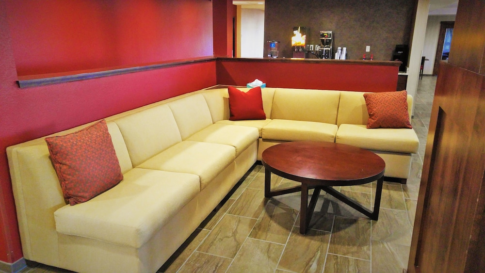 Lobby Sitting Area, Black Gold Suites Watford City