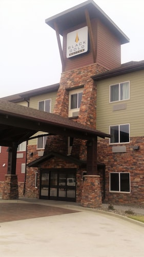 Black Gold Suites Watford City