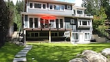 Riverfront Bed and Breakfast - North Vancouver Hotels