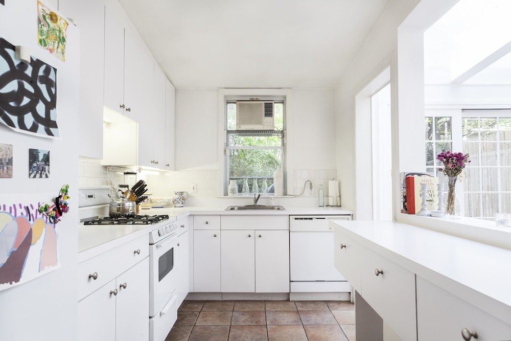 Onefinestay gramercy private homes in financial district for Kitchen 0 finance deals