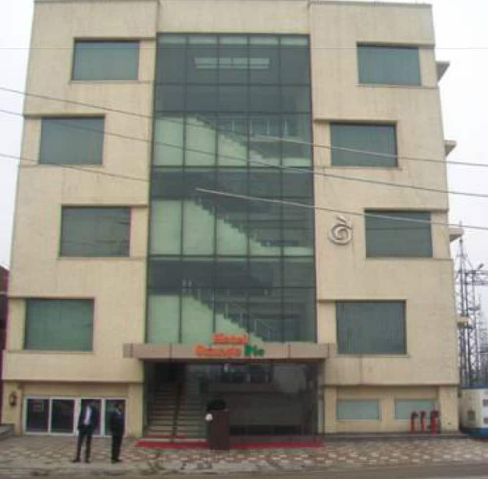 Hotel Orange International Hotel Orange Pie Delhi India Expedia