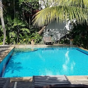 Padang Lovina Sea Side Cottage
