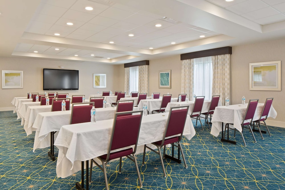 Meeting Facility, Hampton Inn & Suites-Seattle Woodinville WA