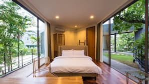 5 bedrooms, in-room safe, desk, free WiFi
