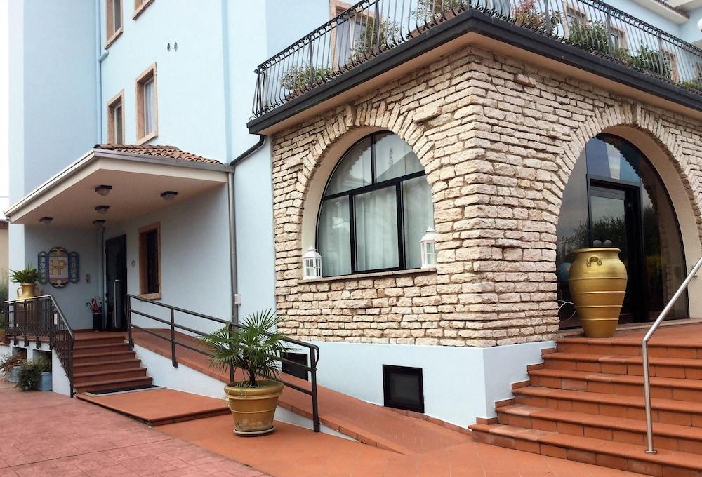 Vasche Da Bagno Oceano Prezzi : Hotel oceano peschiera del garda italia expedia