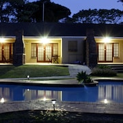 African Aquila Lodge