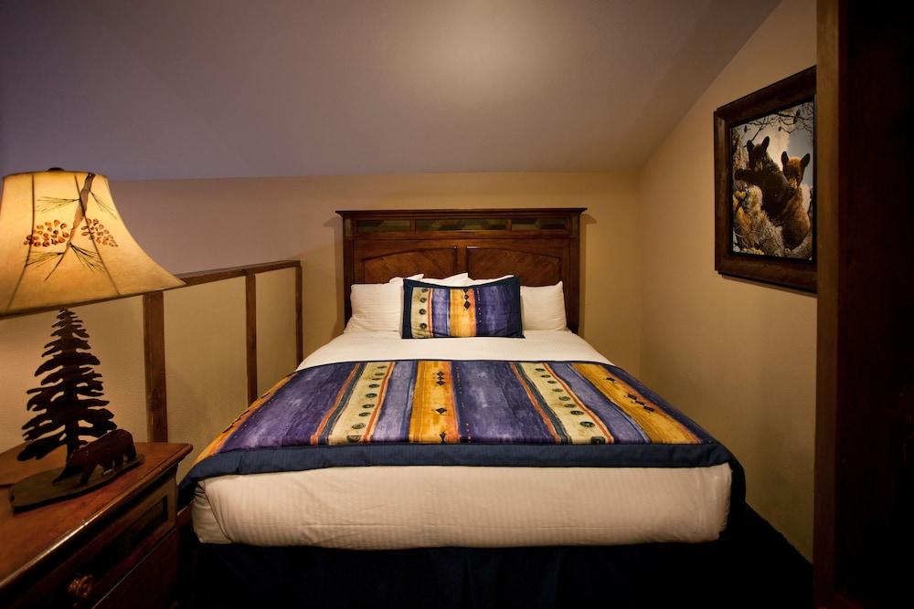Book alpine village suites cottams lodge taos ski valley hotel book alpine village suites cottams lodge taos ski valley hotel deals solutioingenieria Images