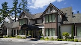 The Inn at Pleasant Beach - Bainbridge Island Hotels