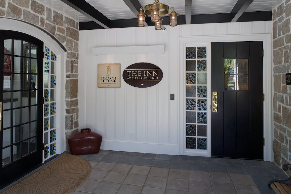 Property Entrance, The Inn at Pleasant Beach