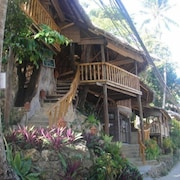 Tree House Beach Resort and Bar