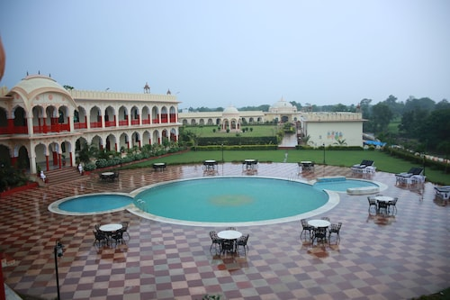 Raj Mahal The Place