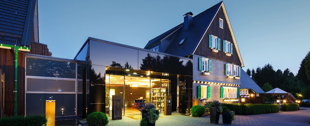 landhaus spatzenhof in wermelskirchen hotel rates. Black Bedroom Furniture Sets. Home Design Ideas