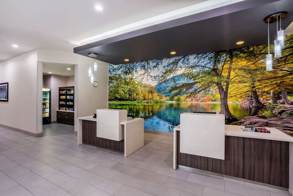 Reception, La Quinta Inn & Suites by Wyndham Houston Cypress