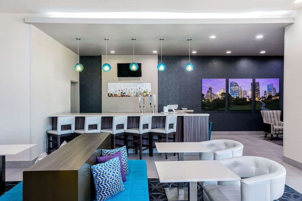 Bar, La Quinta Inn & Suites by Wyndham Houston Cypress