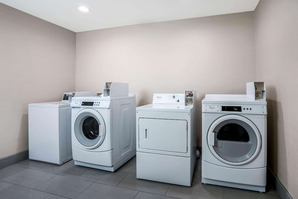Laundry Room, La Quinta Inn & Suites by Wyndham Houston Cypress