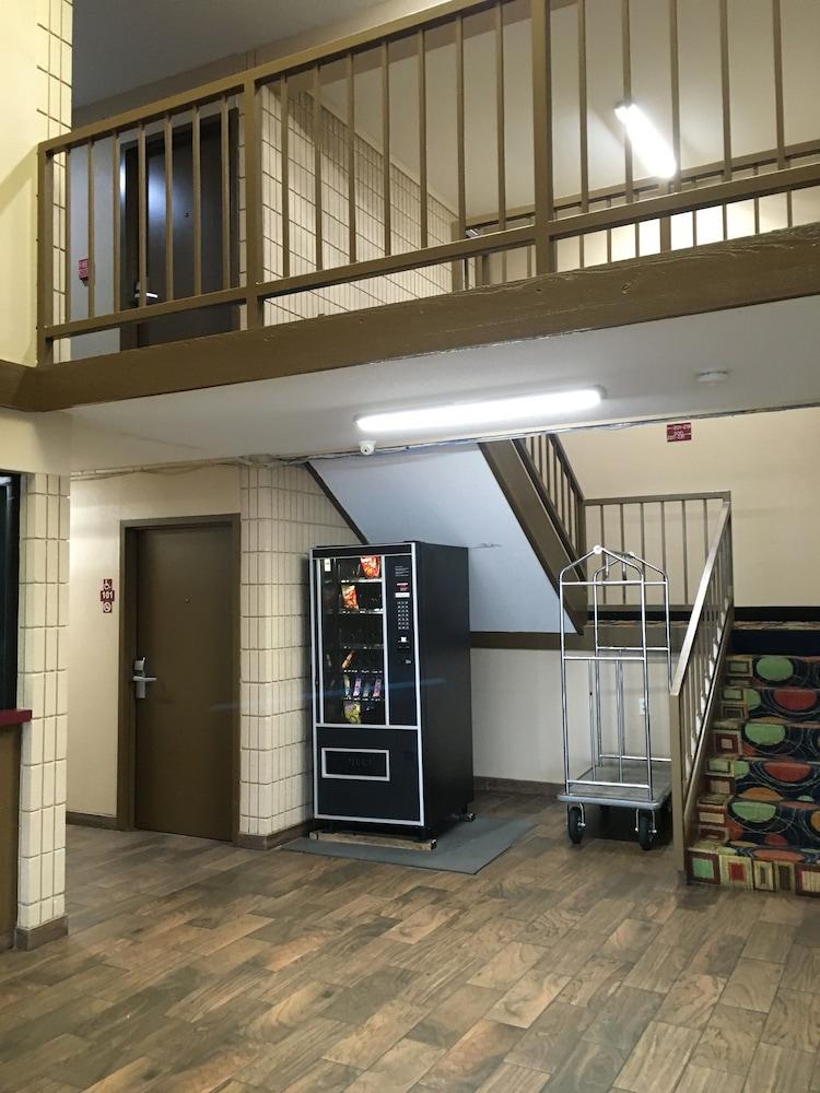 Executive Inn Pine Bluff 2019 Room Prices 47 Deals Reviews