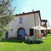 Nice Apartments in Former Farmhouse With Pool in Beautiful Tuscany