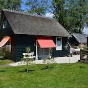 A Cosy House Close to Giethoorn and the Weerribben-wieden National Park, With a Boat Available