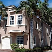 Apartment in Palm Beach Gardens With Terrace, Air Conditioning, Internet, Parking