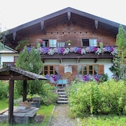 Beautiful 4-pers. Property in Typical Alpine Style