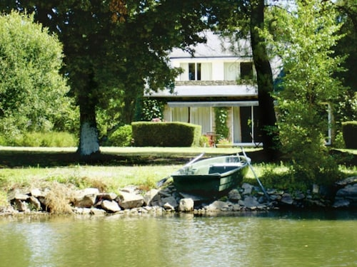 Picturesque Holiday Home on a Lake, With a Large Garden and Private Swimming Pool, in Brittany
