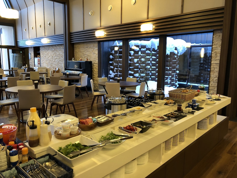 Breakfast buffet, Niseko Hakuunso