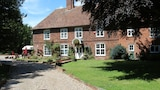 Molland Manor House Bed & Breakfast - Canterbury Hotels