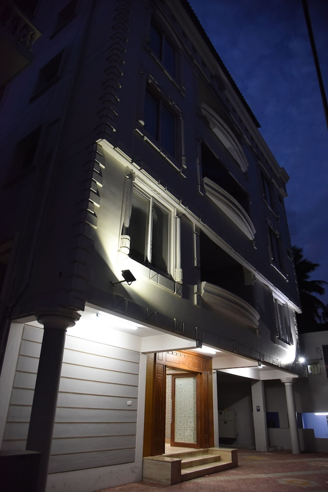 Hotel Reech - Reviews, Photos & Rates - ebookers com