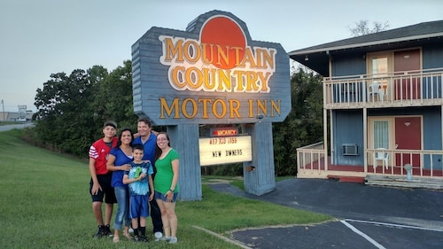 Mountain Country Inn