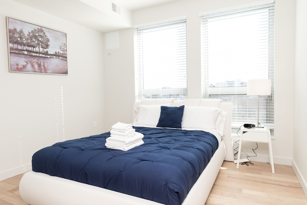 Room, Capitol Hill Fully Furnished Apartments, Sleeps 5-6 Guests