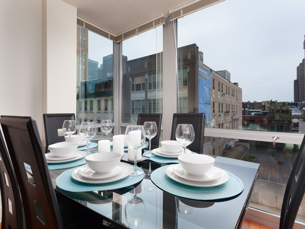 In-Room Dining, Capitol Hill Fully Furnished Apartments, Sleeps 5-6 Guests