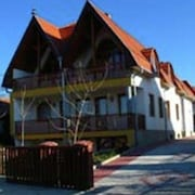 Nice Apartment at 900 m. From Lake Balaton and Near a National Park