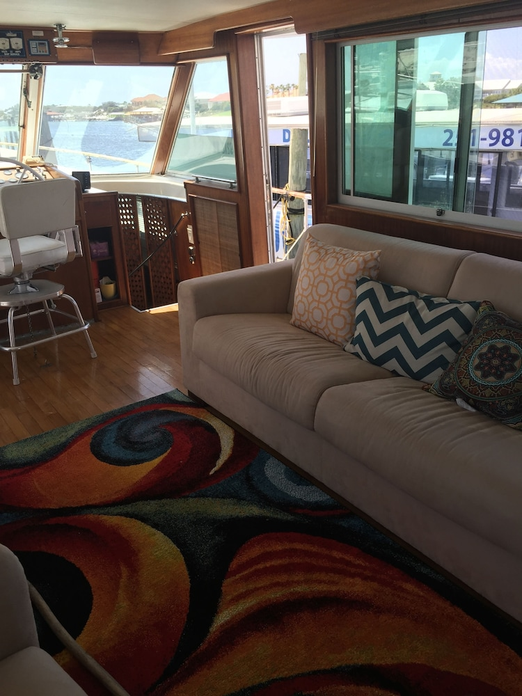 Interior Entrance, Classic Yacht Rentals at FloraBama