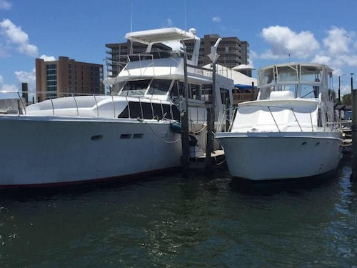 Houseboats In Gulf Ss Clic Yacht Als At Florabama