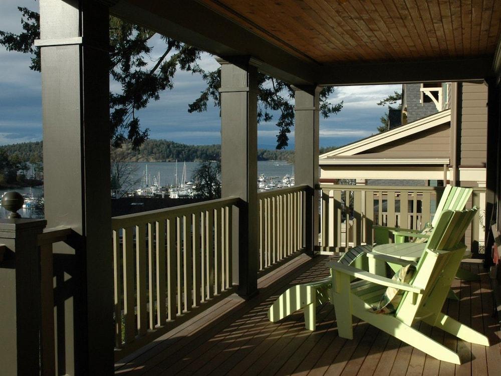 Book roche harbor resort san juan islands hotel deals for Roche harbor resort cabins