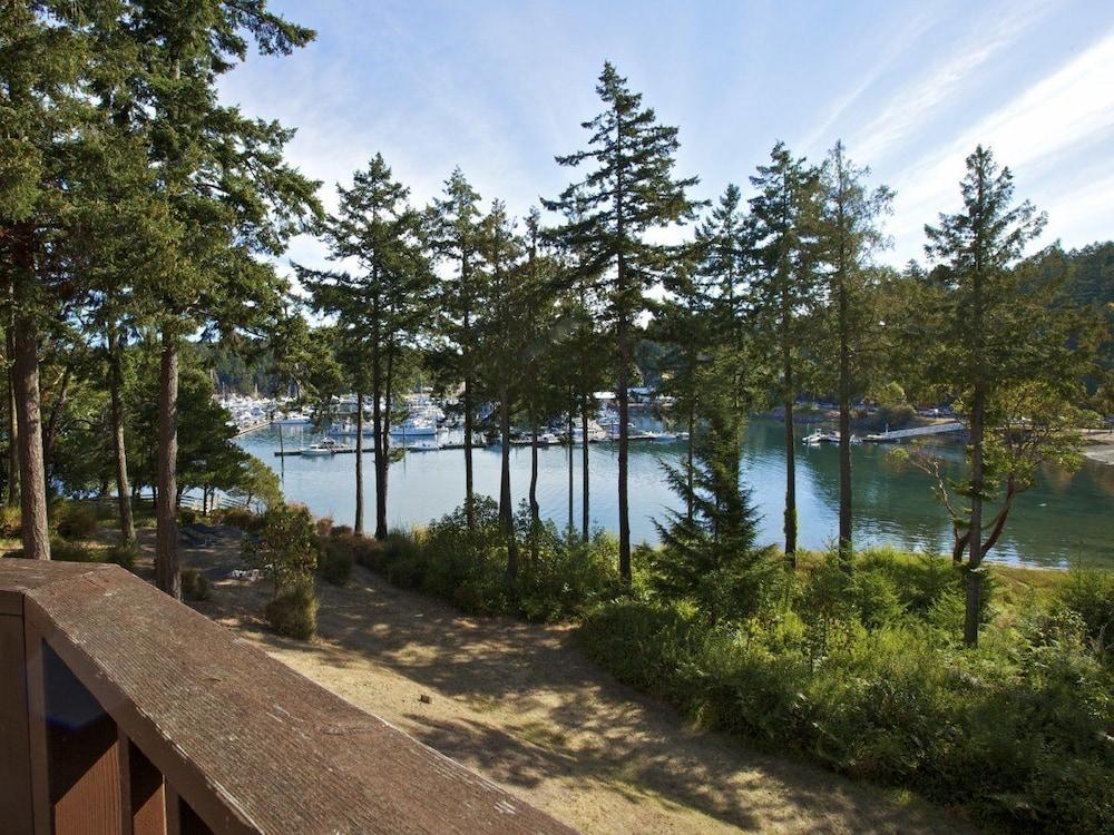 Roche harbor resort reviews photos rates for Roche harbor resort cabins